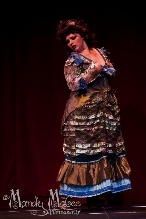 Vixen Valentine performing as Idris.